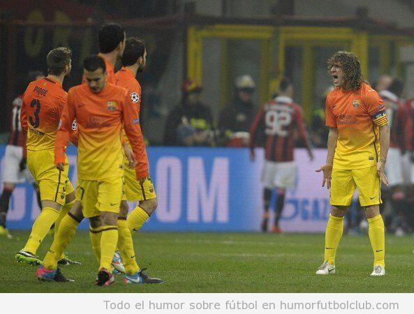 Imagen de Carles Puyol abrocando a sus compañeros en el Barça Milan