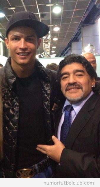 Cristiano Ronaldo sube a Facebook una foto con Maradona