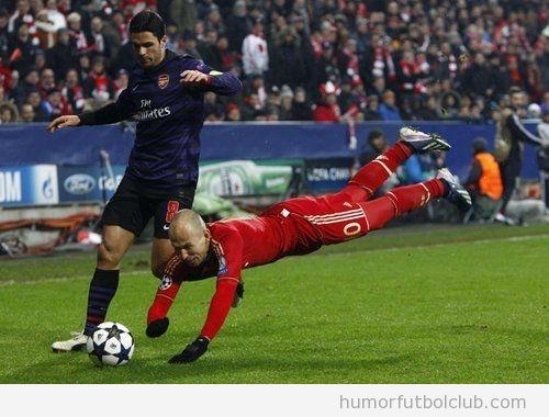 Imagen graciosa de Robben y Mikel Arteta