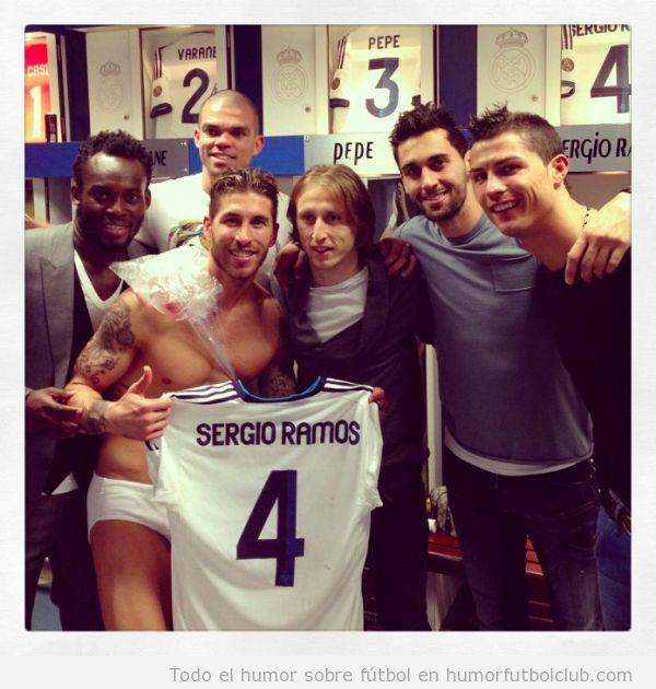 Sergio Ramos celebra la victoria ante el Barça en calzoncillos