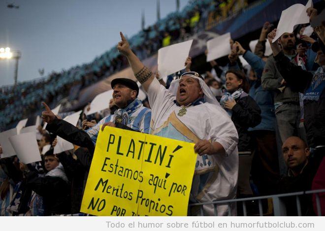 Aficionado del Málaga, partido Champions vs Dortmund, disfraz jeque árabe