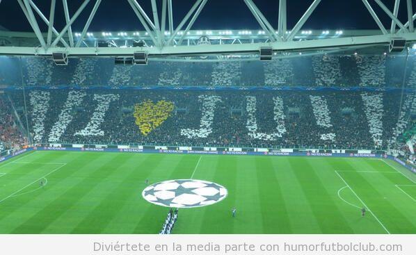 Tifo de la Juventus ante el Bayern