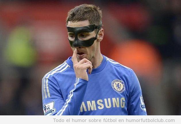 Fernando Torres con máscara