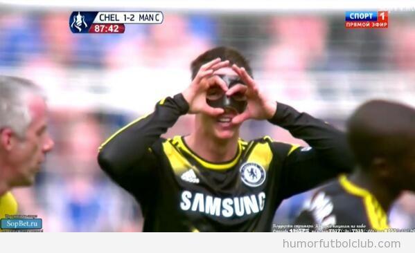 Torres con máscara, le dice a Chris Foy que necesita gafas