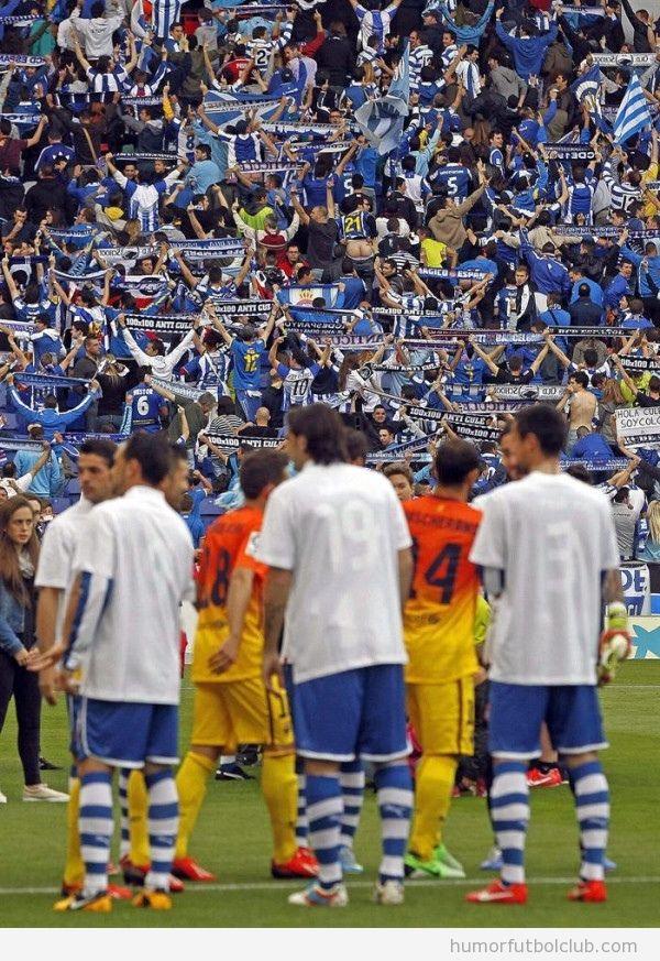 Los aficionados de Espanyol le dan la espalda al pasillo de honor al Barça