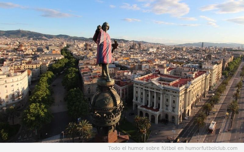 Estatua de colón del Barcelona con la camiseta del Barça