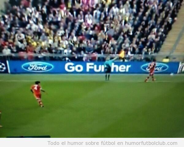 Valla publicitaria en Final Champions League, Go fuhrer
