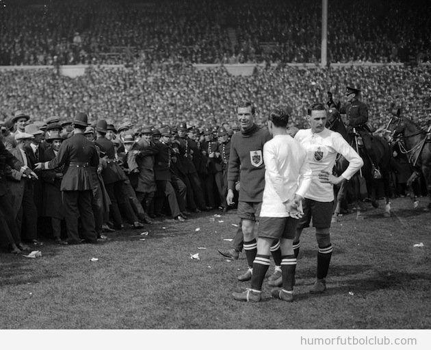 Imagen de la final de la FA en Wembley, año 1923
