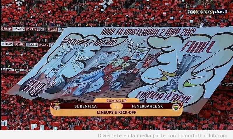 Imagen del tifo del Benfica ante el Fenerbahce UEFA Europa League
