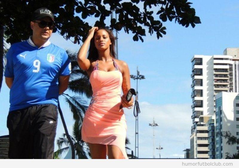 Fanny Negueha, novia de Balotelli, se pasea por Brasil con guardaespaldas durante la Copa Confederaciones
