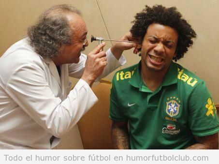 Foto graciosa de Marcelo, revisión médica en Brasil