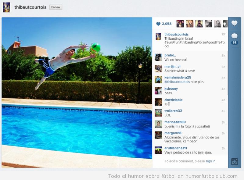 Thibaut Courtois practica sus paradas en una piscina