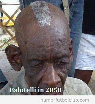 Imagen graciosa de un señor mayor negro con peinado Balotelli