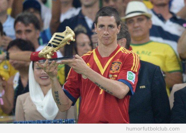 Fernando Torres, triste con su Bota de Oro en la Copa Confederaciones