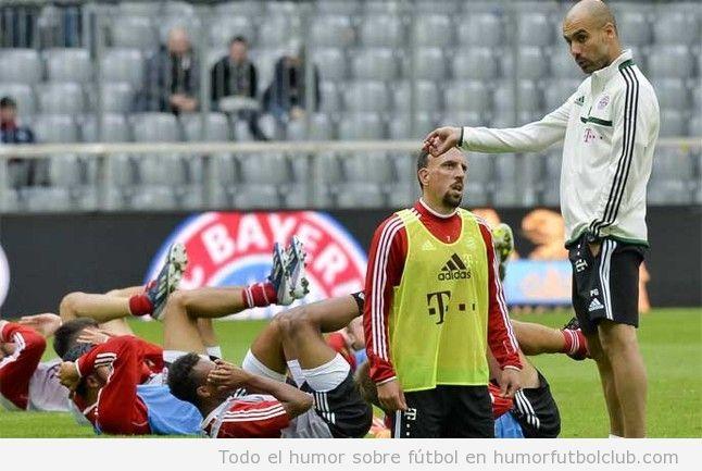 Foto divertida de Ribery y Guardiola en un entrenamiento del Bayern de Munich