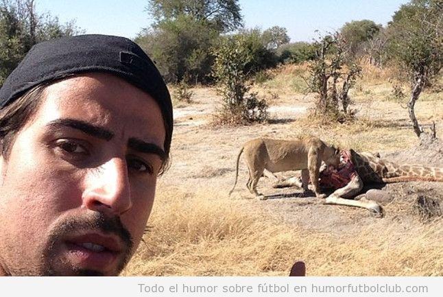 Imagen WTf, Khedira con un león que se come una jirafa
