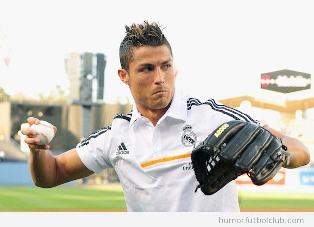 Foto de Cristiano Ronaldo jugando al Bésibol