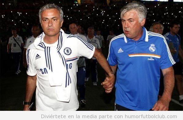 Foto curiosa de Mourinho y Ancelotti cogidos de la mano