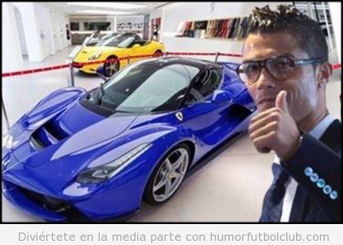 Foto de Cristiano Ronaldo con su nuevo Ferrari