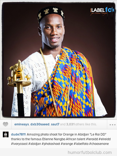 Drogba vestido de Rey Africano para un anuncio