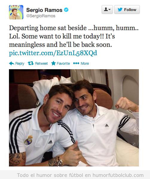 Tweet de Sergio Ramos con una foto de Casillas queriéndole pegar