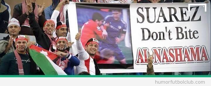 Pancarta divertida de los fans de Jordania para Luis Suárez
