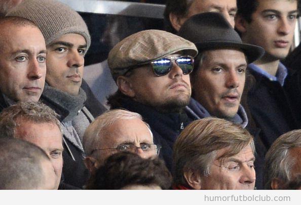 Leonardo DI Caprio con gafas de sol viendo el PSG Leo Di Caprio viendo el PSG vs Anderlecht