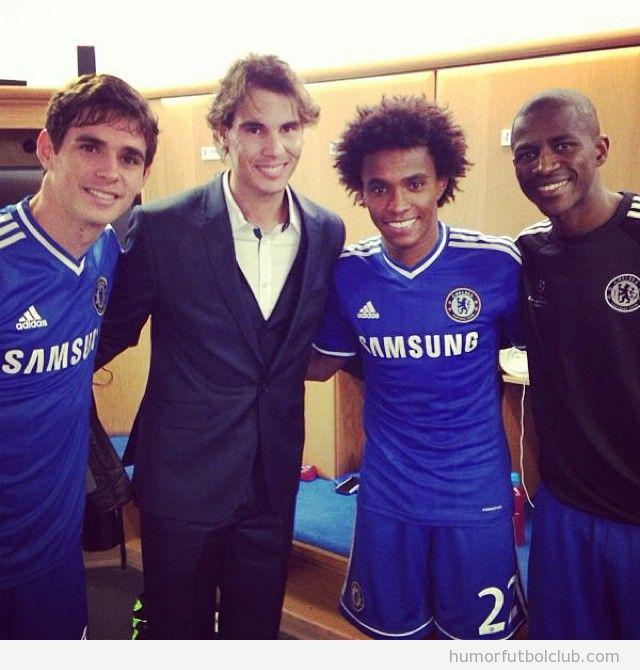 Foto en el vestuario del Chelsea, Willian, Oscar  y Ramires con Rafa Nadal