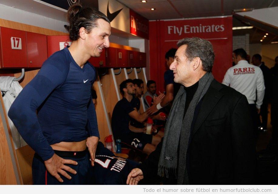Ibrahimovic y Sarkozy en los vestuarios del PSG
