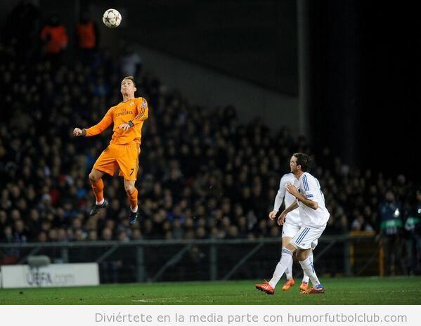Salto Cristiano Ronaldo Real Madrid Copenhaguen Champions League