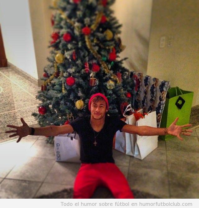 Foto de Neymar en su árbol de Navidad