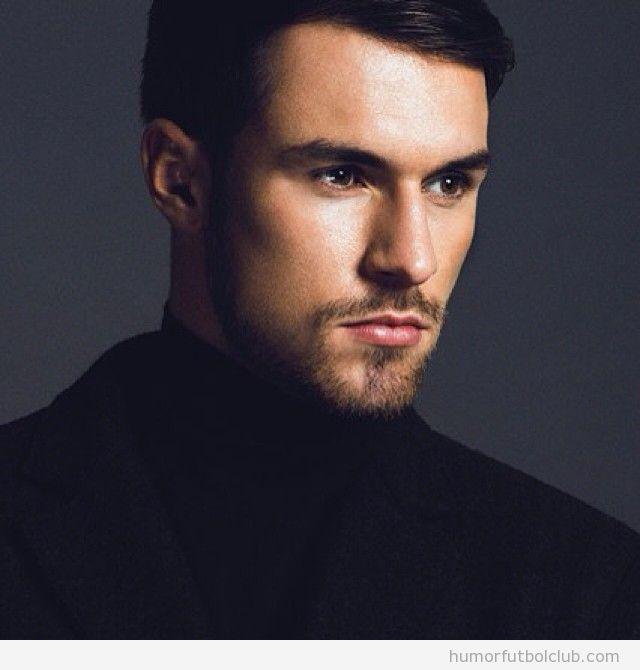 Fotos del futbolista Aaron Ramsey como modelo