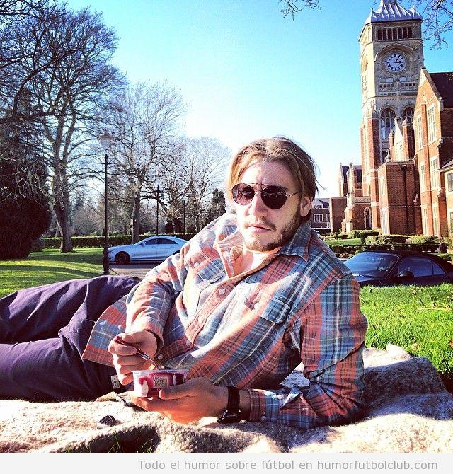 Nicklas Bendtner look hipster de picnic