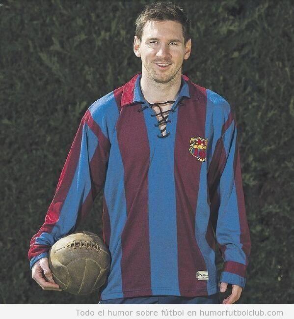 Foto de Messi con una camiseta antigua del Barça