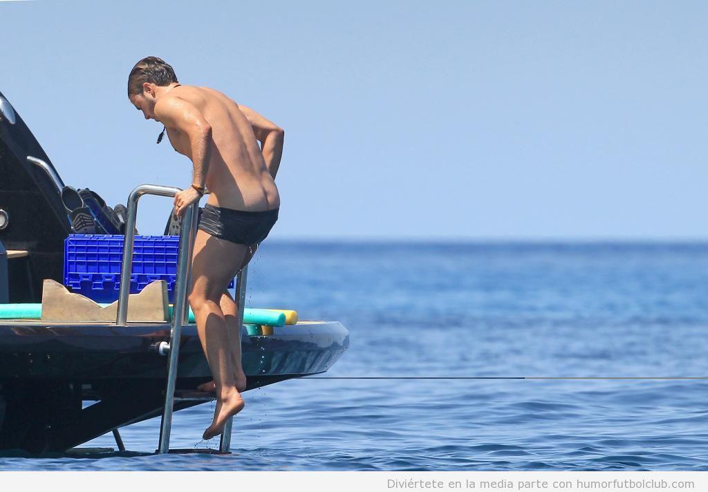 Mario Gortze y su novia de vacaciones en Ibiza 2
