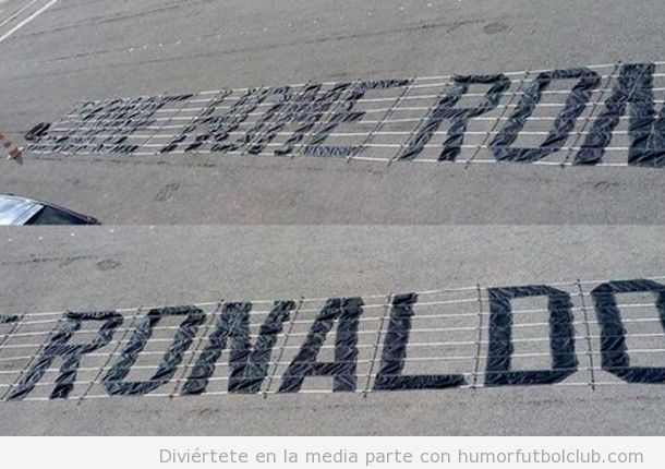 Aficionados Manchester United avioneta con mensaje para Cristiano Ronaldo