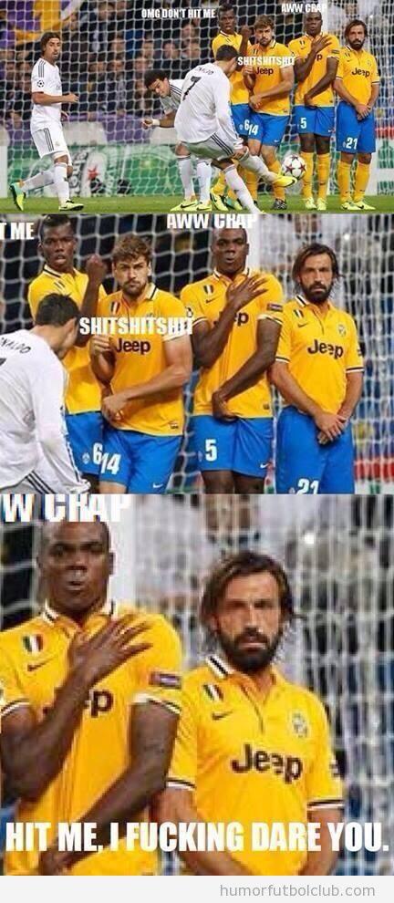 Foto graciosa Pirlo en la barrera en una falta de Cristiano Ronaldo