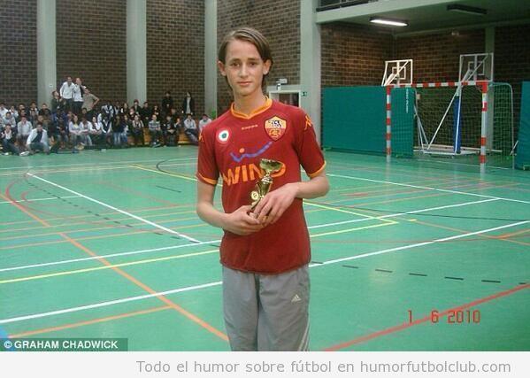 Foto del futbolista Adnan Januzaj de niña