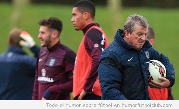 Foto chistosa entrenador fútbol Roy Hodgson