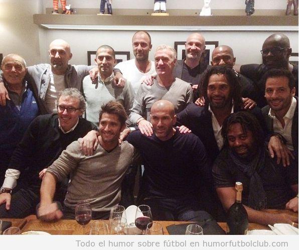 Foto reencuentro furbolistas ganadores Copa Mundo 98