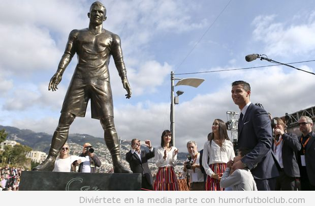 Estatua Cristiano Ronaldo en Madeira, Portugal