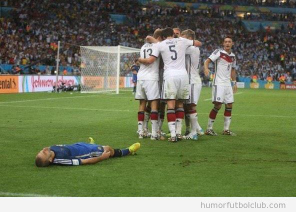 Foto graciosa, cuando te meten un gol en el último minuto