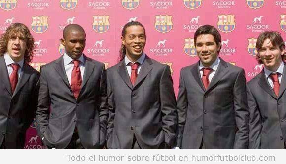 foto antigua jugadores Barça traje elegate