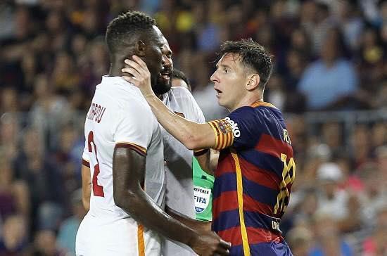 Messi agrede a Mapou, jugador Roma