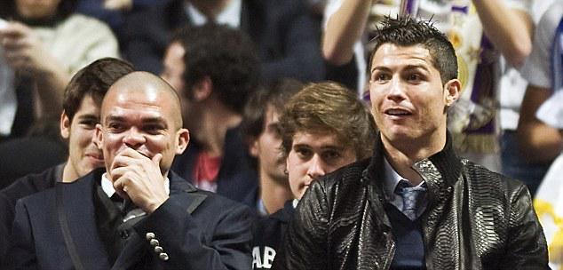 Foto graciosa Pepe y Cristiano Ronaldo riéndose