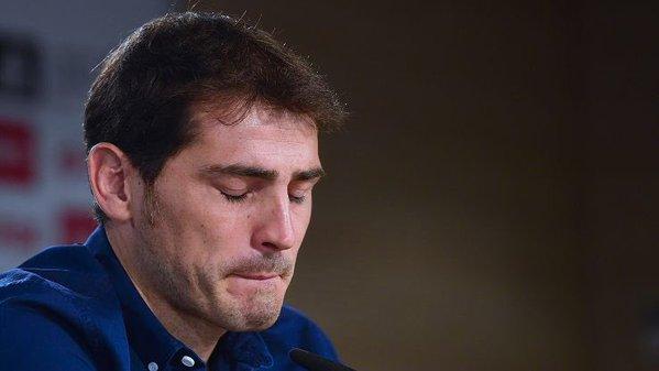 Foto Iker Casillas llorando