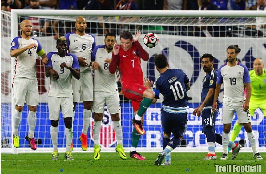 Montaje meme gracioso Cristiano Ronaldo falta Messi