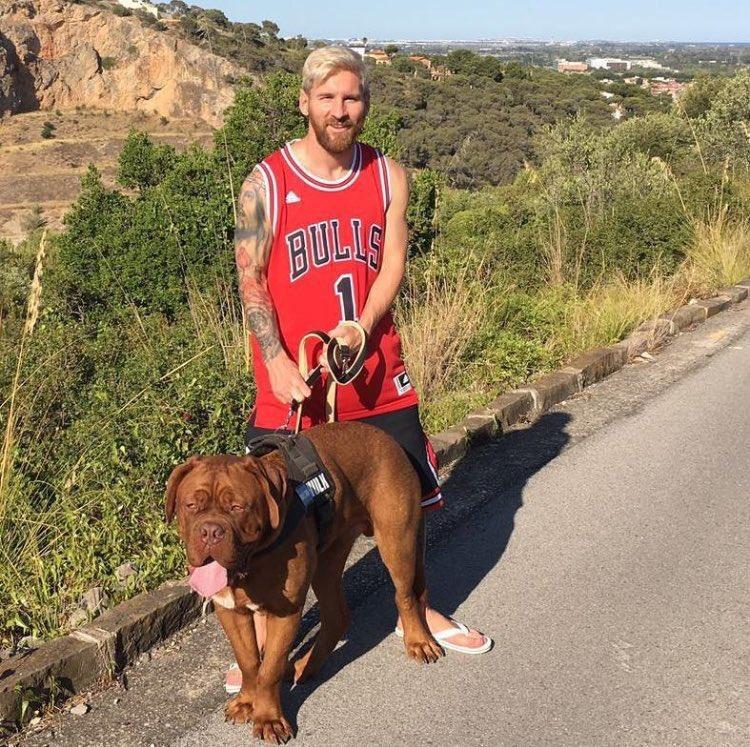 Fotos curiosas evolución Messi y su perro en 9 meses 3