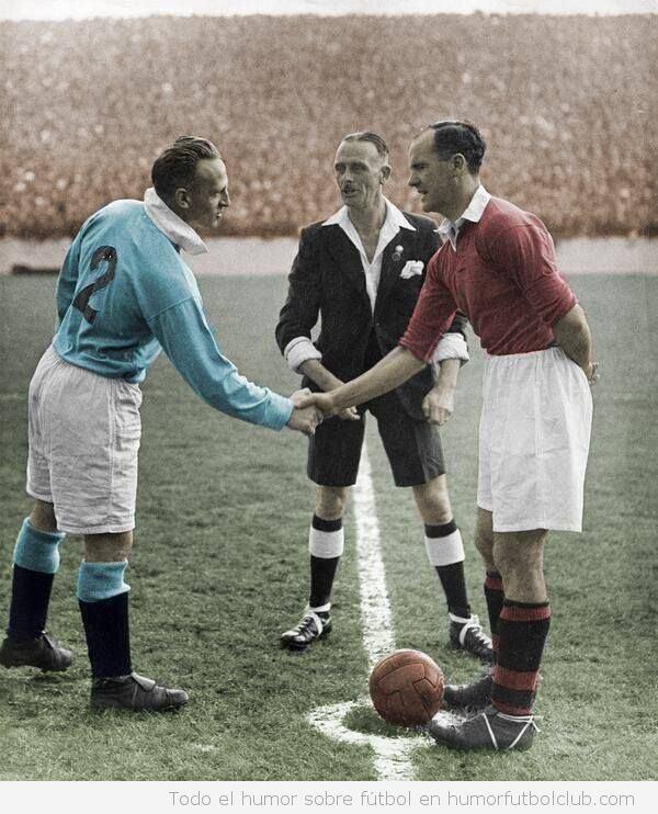 Fotos antiguas fútbol, derby Manchester City vs Manchester United 1947